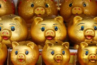 gold piggy banks